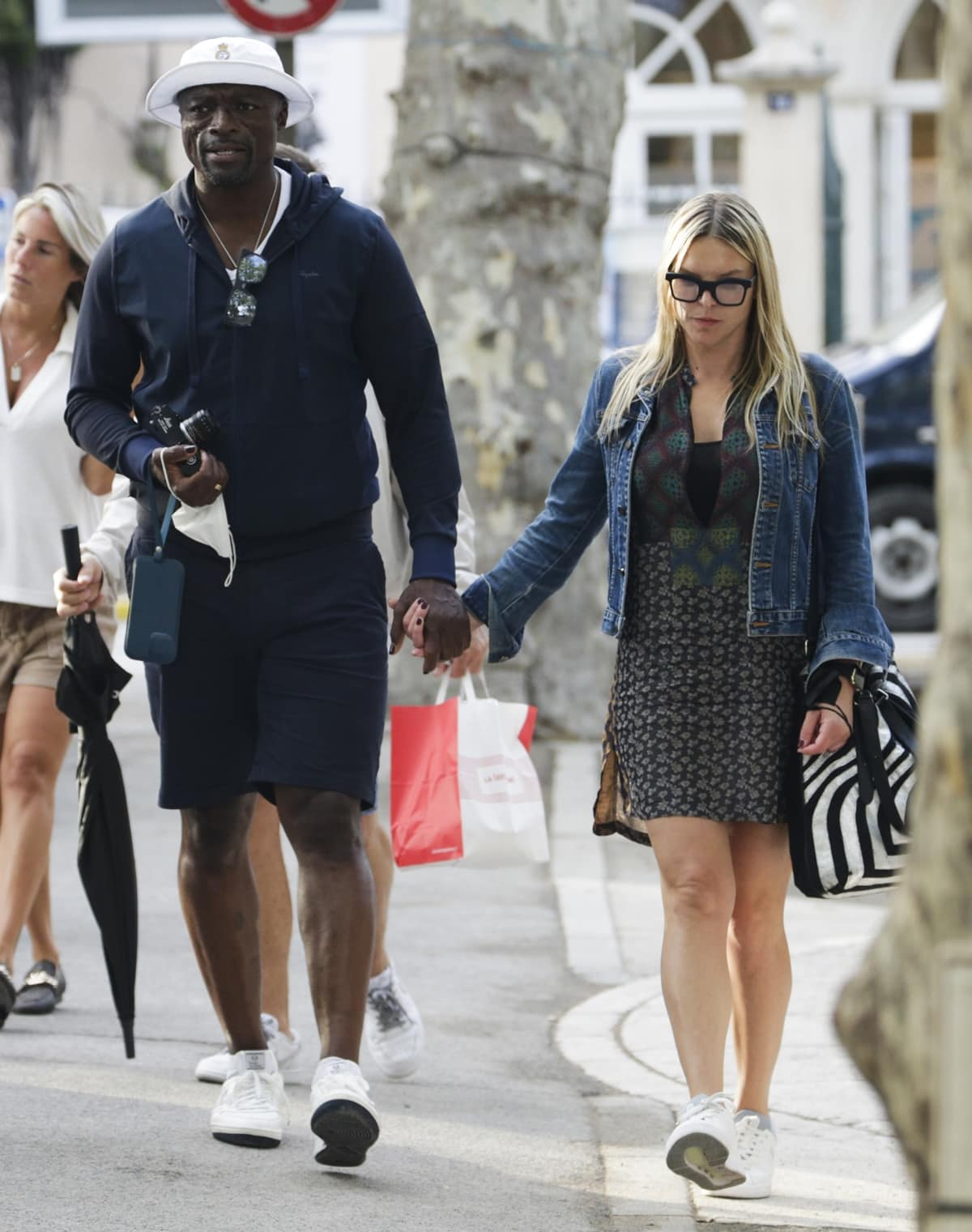 Seal and his girlfriend Laura Strayer enjoying a stroll in Saint Tropez
