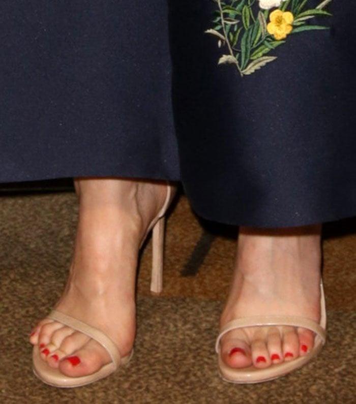 Sophia-Bush-Stuart-Weitzman-Nudist-Nude-Sandals