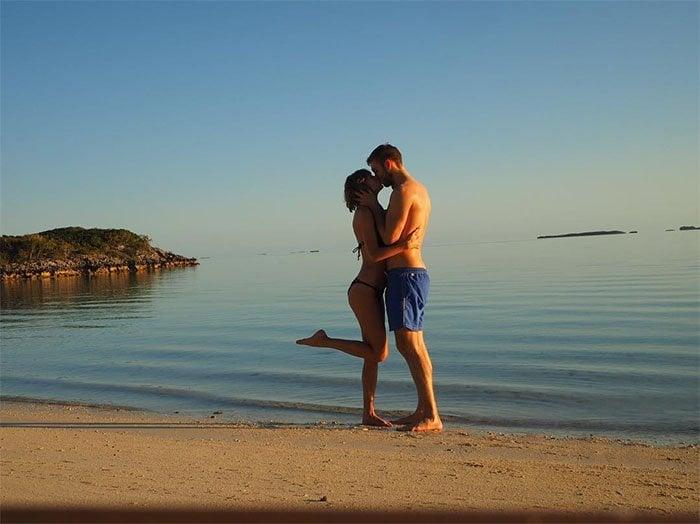 Taylor Swift Calvin Harris vacation pics 2