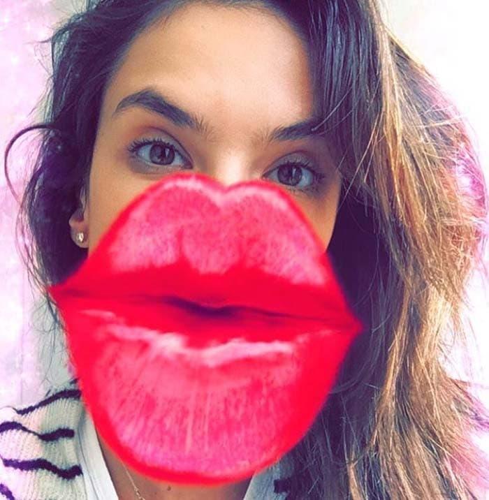Alessandra Ambrosio Au Fudge White Slip On IG