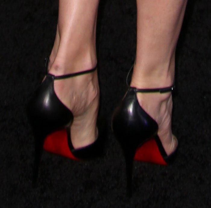 Charlize-Theron-Christian-Louboutin-Uptown-pumps