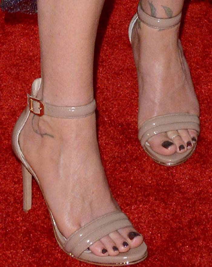 Christina Applegate Youth Oregon Tribeca Nude Sandals 2