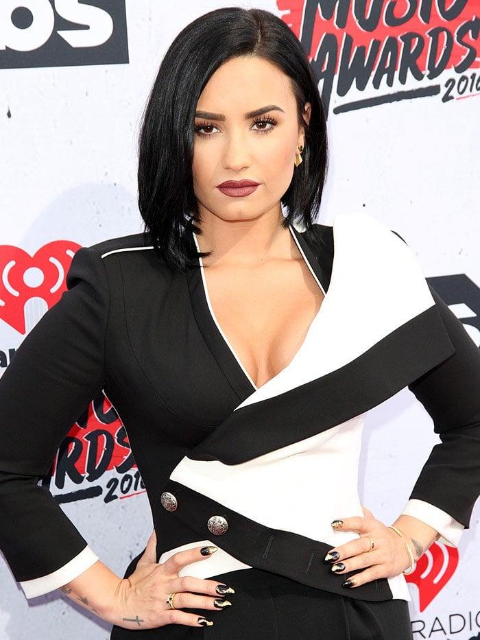 Demi Lovato iHeartRadio Music Awards 2016 1