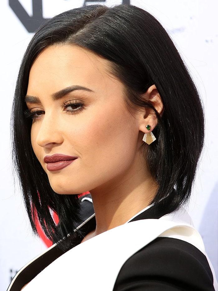Demi Lovato iHeartRadio Music Awards 2016 3