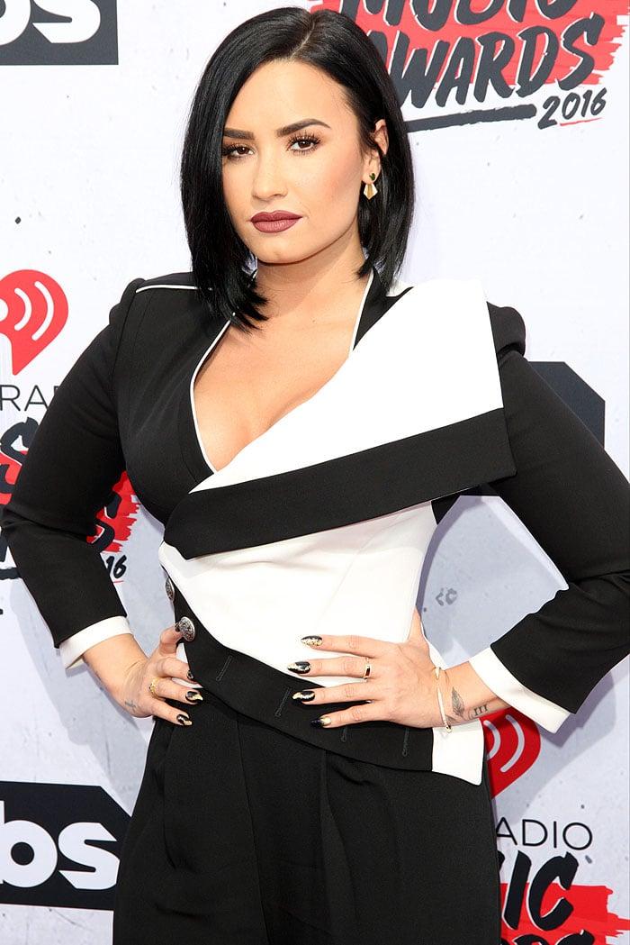 Demi Lovato iHeartRadio Music Awards 2016 4