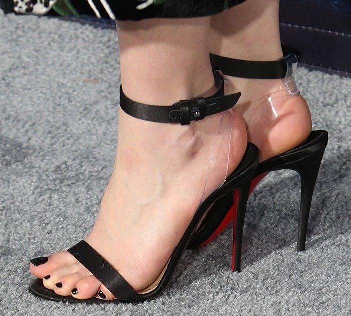 Emilia-Clarke-Christian-Louboutin-sandals
