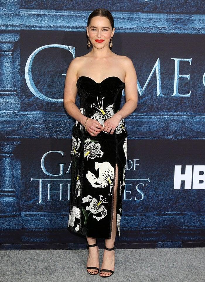 Emilia-Clarke-Game-of-Thrones-Season-6-premiere