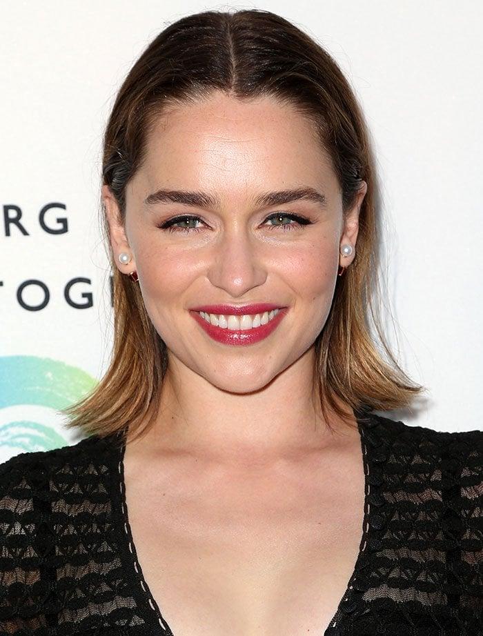 Emilia-Clarke-hair-makeup