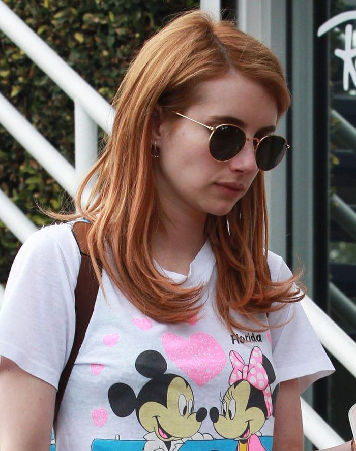 Emma-Roberts-red-head-minimal-makeup