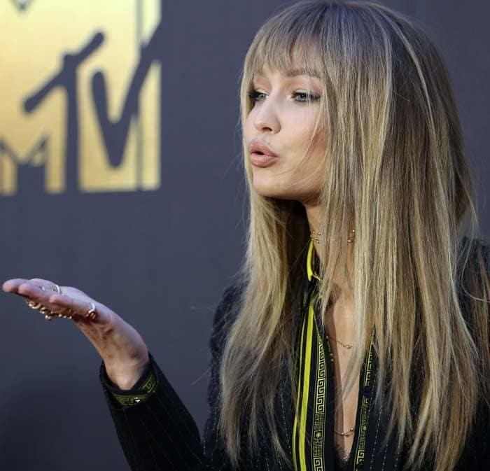 Gigi Hadid MTV Movie Awards Tom Ford 4