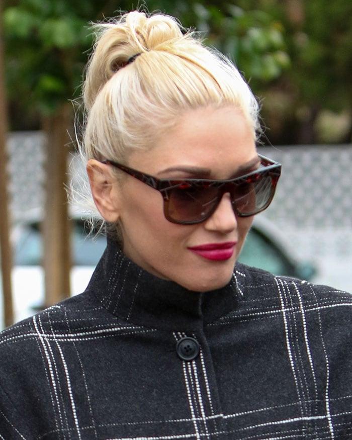 Gwen-Stefani-hair-makeup