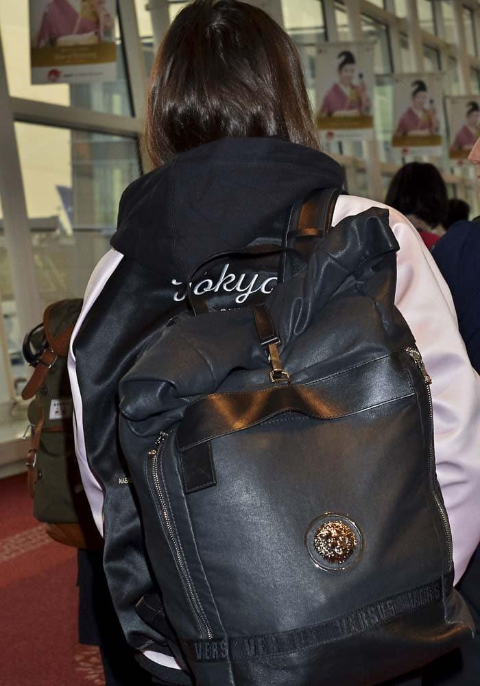 Hailee Steinfeld Narita Tokyo Adidas 4