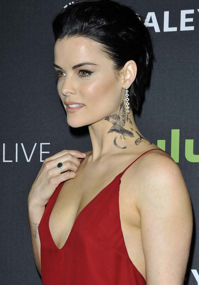 """Jaimie Alexander shows off her bird neck tattoo at PaleyLive for the """"Blindspot"""" cast interview"""