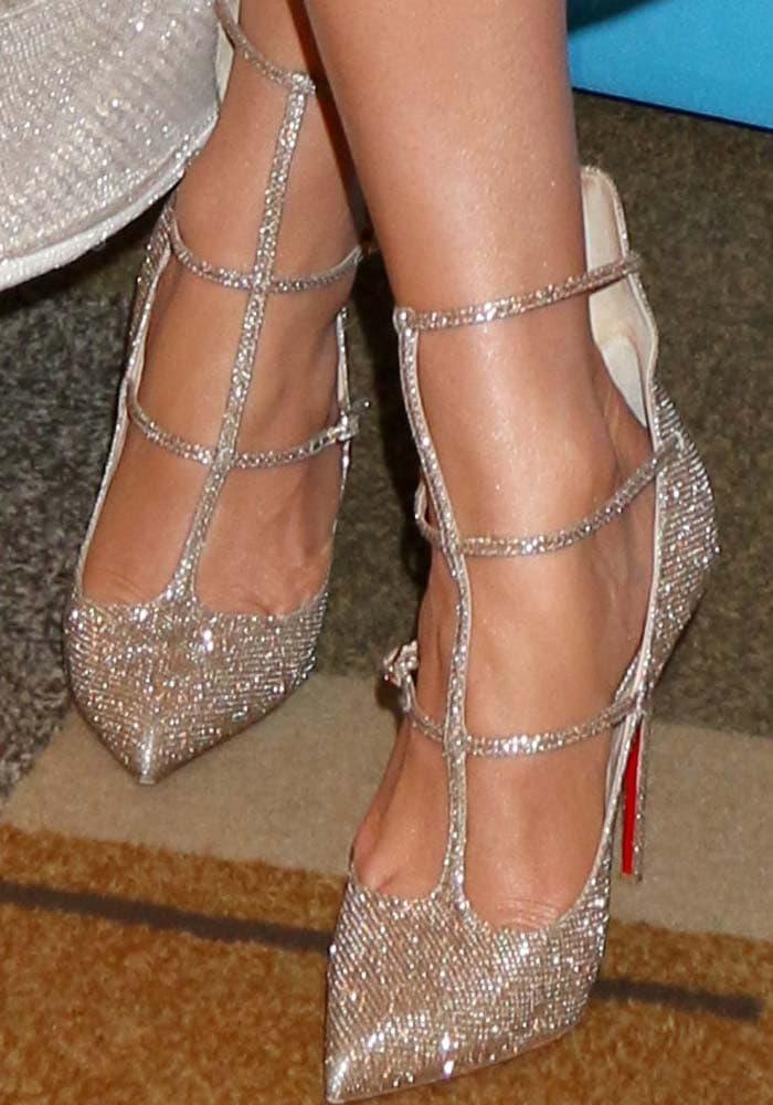 J.Lo ushers the American Idol era out in Christian Louboutin 'Toerless' glitter pumps