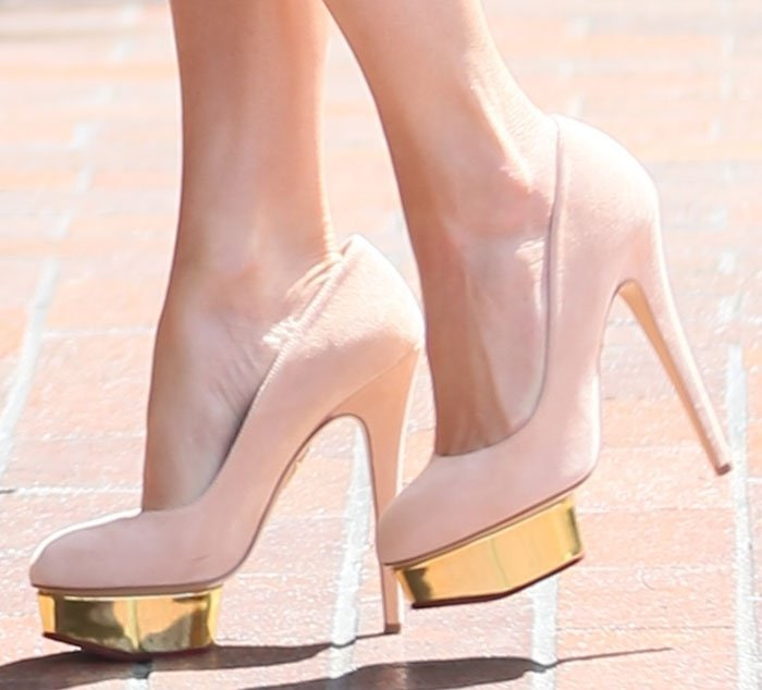 Jennifer Lopez in Charlotte Olympia Dolly pumps