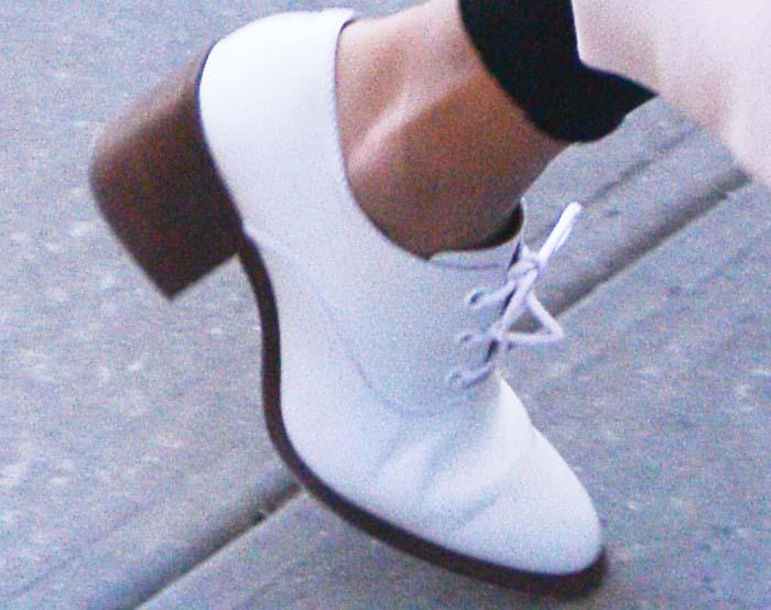 Jessica Alba New York White Brogues 2