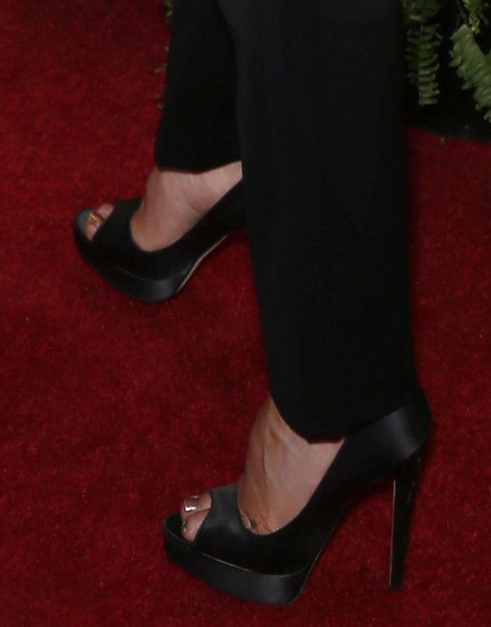 Kate-Hudson-Brian-Atwood-Wagner-pumps