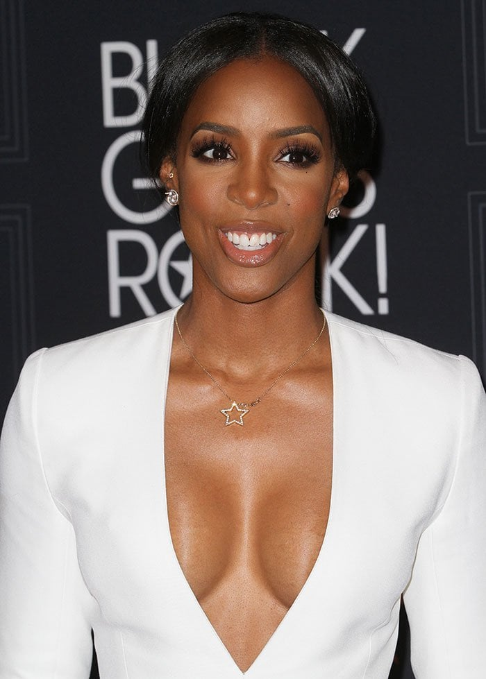 Kelly-Rowland-center-parted-updo-neutral-makeup