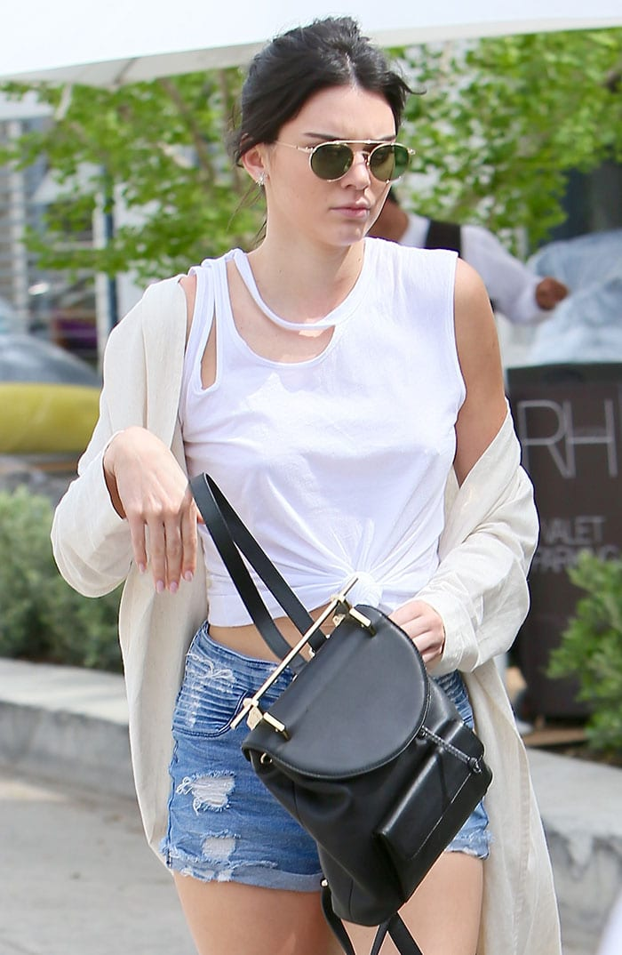 Kendall-Jenner-M2Malletier-backpack-Ahlem-sunglasses