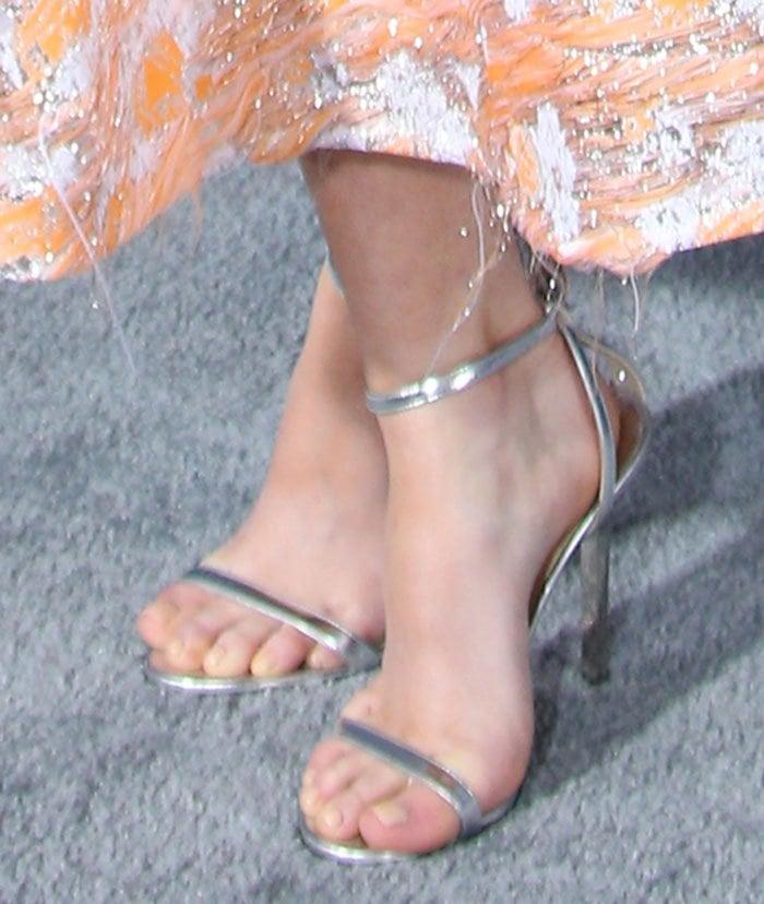 Maisie-Williams-Jimmy-Choo-Minny-Silver-Sandals