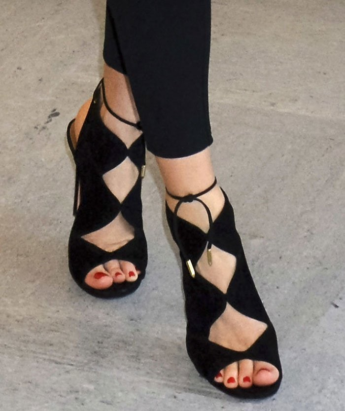 Miranda-Kerr-Aquazzura-Pasadena-sandals