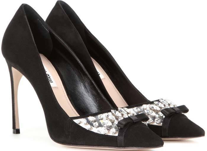 Decollete Jeweled Pointed-Toe Pump in Nero