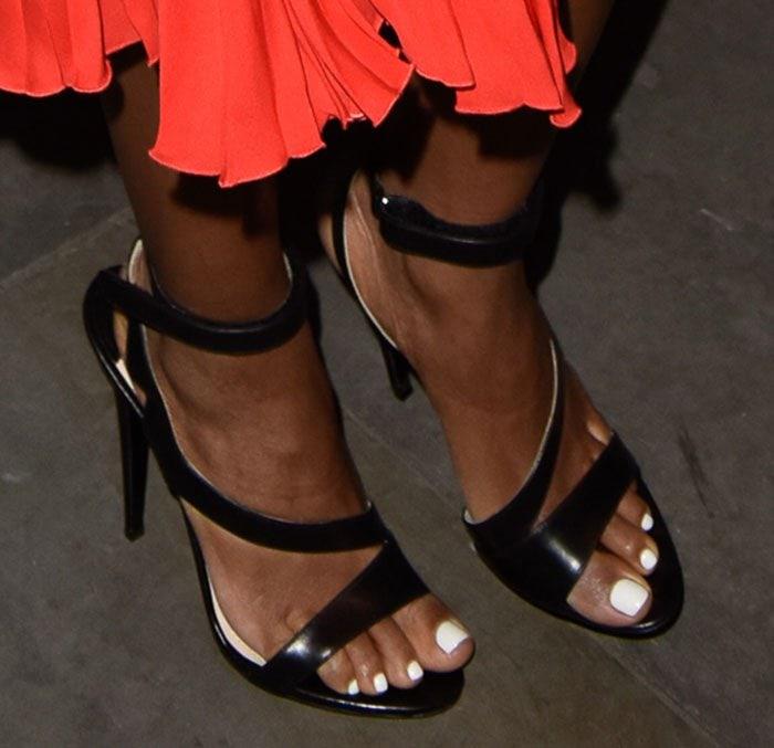Naomie-Harris-Prada-Asymmetric-Sandals-1