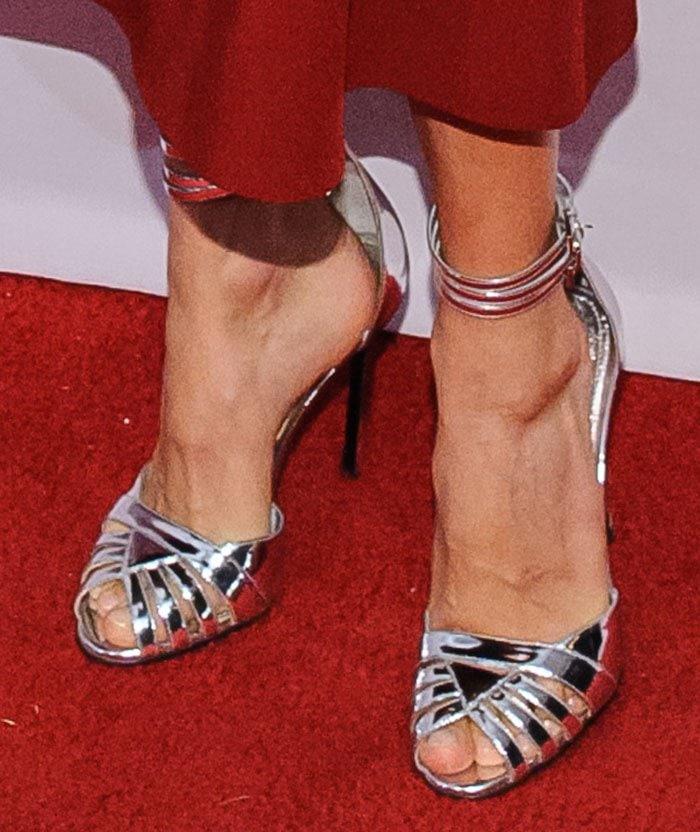 Sienna-Miller-silver-sandals