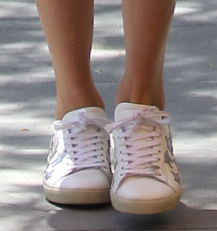 Taylor-Swift-Saint-Laurent-Metallic-Star-Sneakers