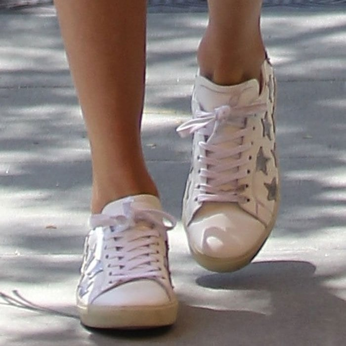 Taylor-Swift-Saint-Laurent-sneakers