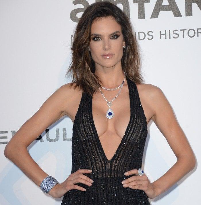 Alessandra Ambrosio Goes Braless Y Dress
