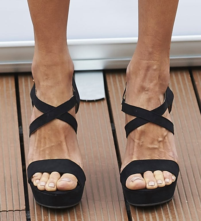 Alessandra Ambrosio Displays Veiny Feet In Xti Platform