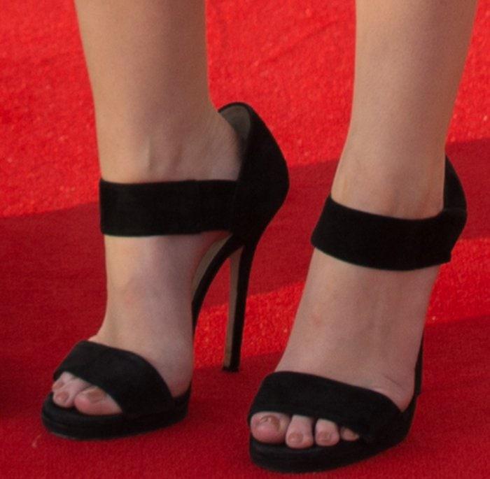 Anna-Kendrick-Jimmy-Choo-Alana-Sandals