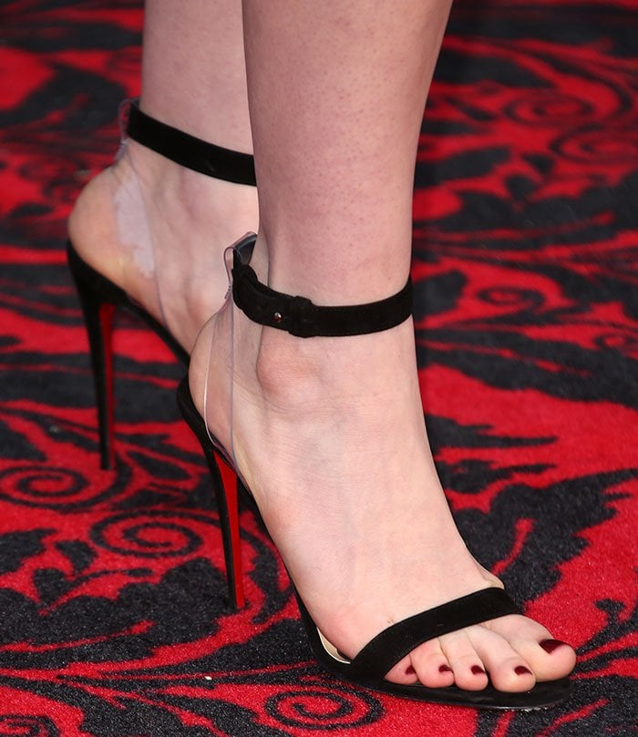Anne-Hathaway-Christian-Louboutin-PVC-Suede-sandals
