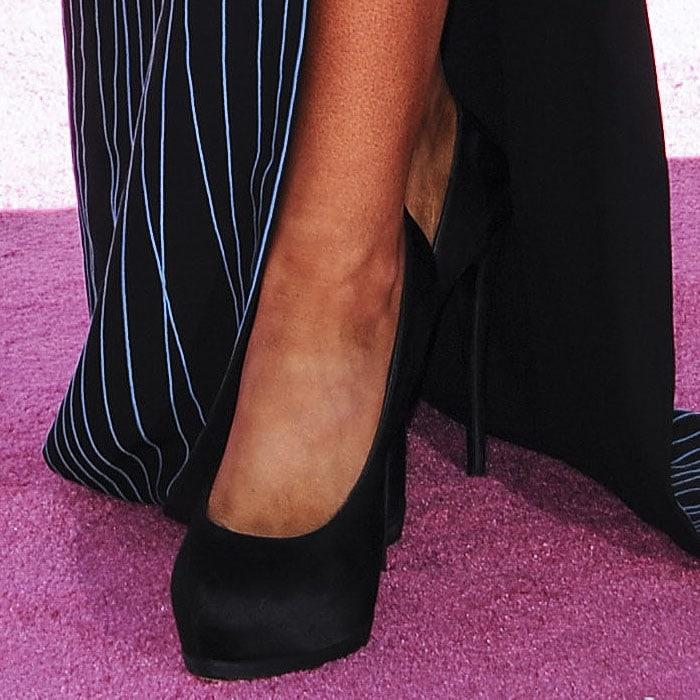 Ariana Grande Giuseppe Zanotti black satin pumps