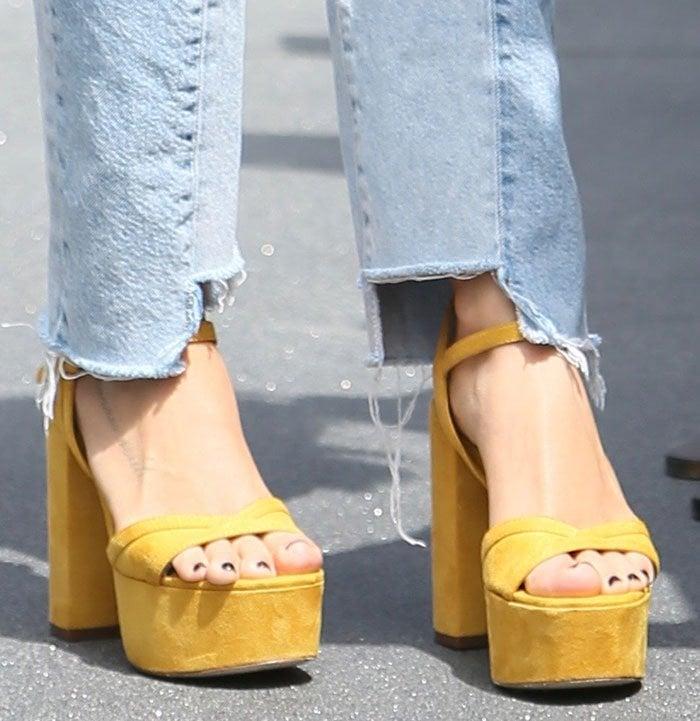 Ashley-Tisdale-yellow-suede-platform-sandals