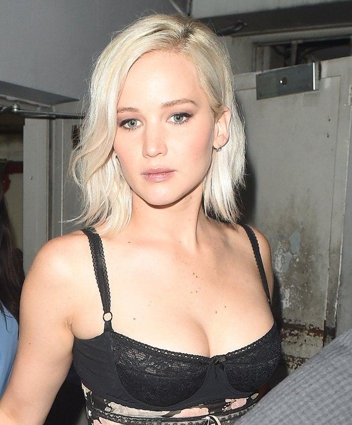 Busty-Jennifer-Lawrence-hair-makeup