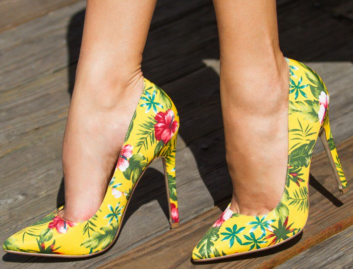 Colorful Patterned Pointy-Toe Pumps in Yellow Multi