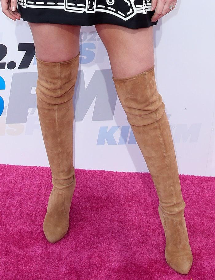 Iggy-Azalea-Tan-Suede-Thigh-High-Boots