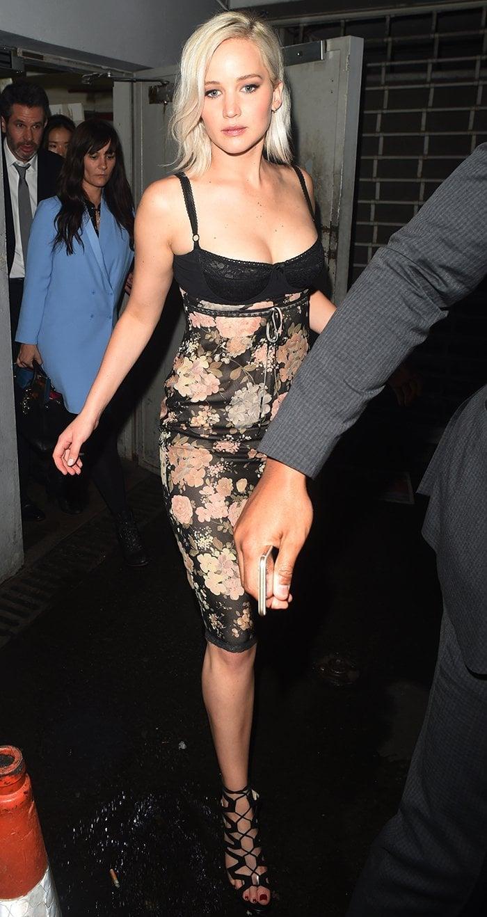 Jennifer-Lawrence-Tape-nightclub-X-Men-Apolocalypse-premiere-after-party