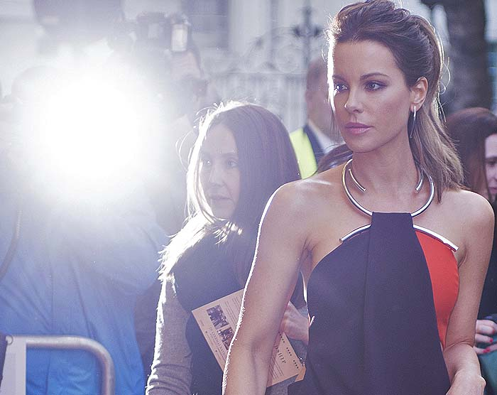 Kate Beckinsale in a revealing dress by Thierry Mugler
