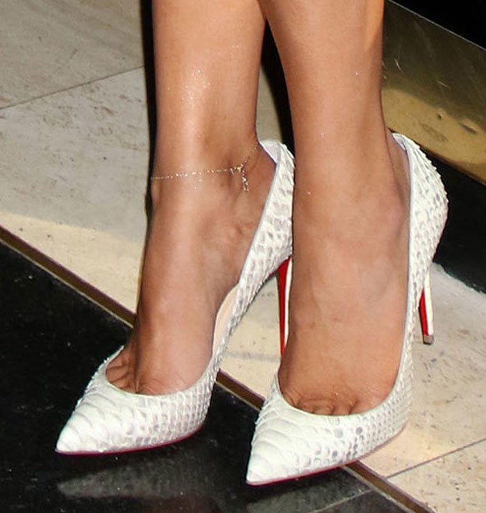 0db319bdb82c Khloe Kardashian in Latex Dress and White Python So Kate Pumps