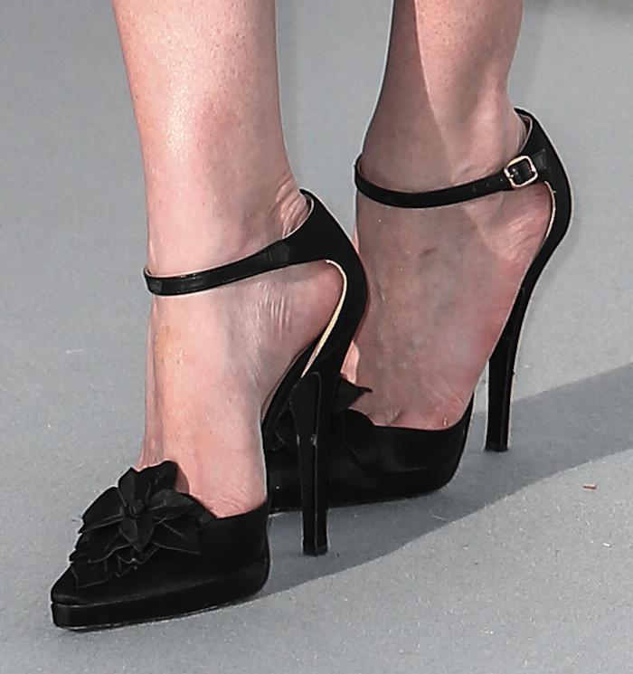Kristen Dunst Amfar 2016 shoes1