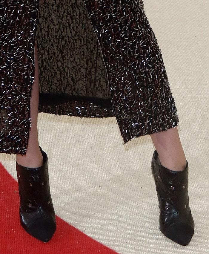 Kristen-Stewart-Chanel-black-booties