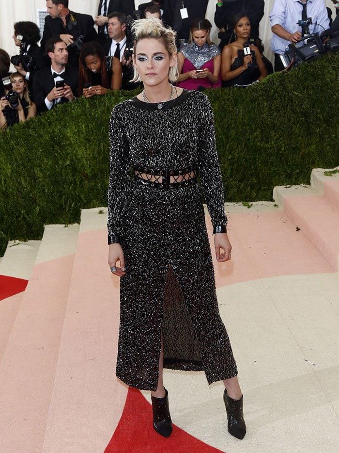 Kristen-Stewart-Chanel-dress-center-front-slit