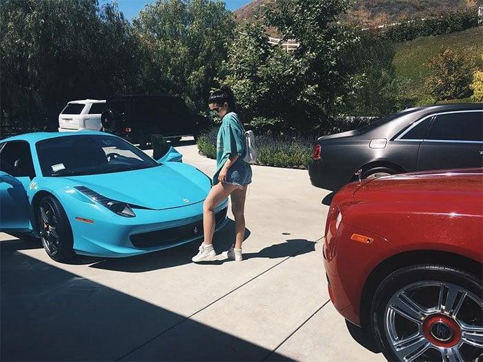 Kylie Jenner t-shirt blue ferrari