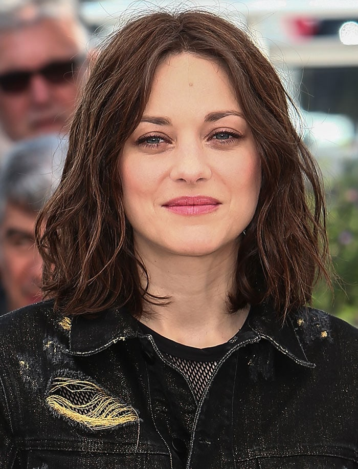 Marion-Cotillard-tousled-locks-pink-lipstick-Cannes