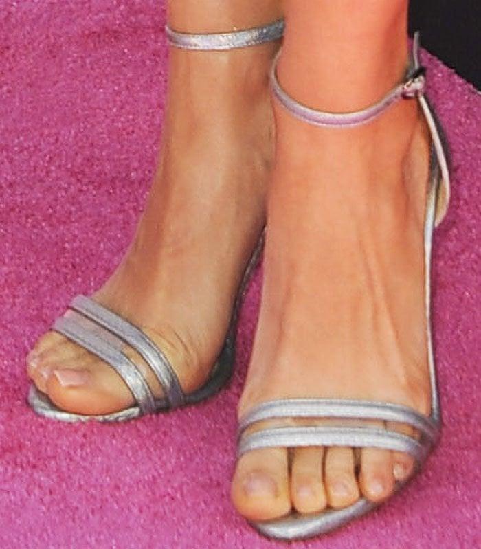 Mila Kunis Billboard Music Awards Neil J Rodgers 3