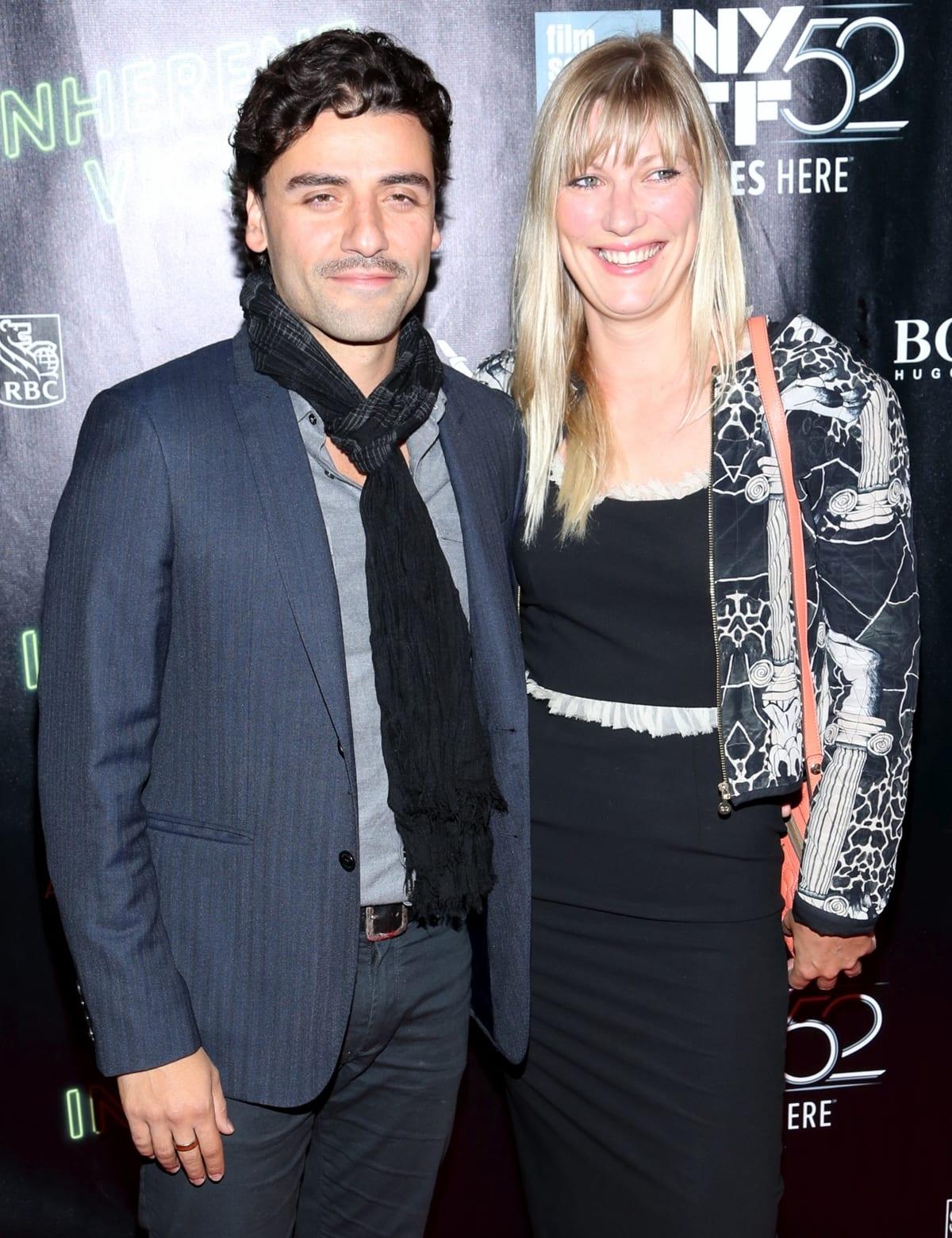 Oscar Isaac was reportedly engaged to childhood sweetheart Maria Miranda before he met Elvira Lind