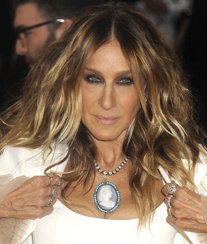 Sarah Jessica Parker rounded out her look with smokey eyes and center-parted tousled waves